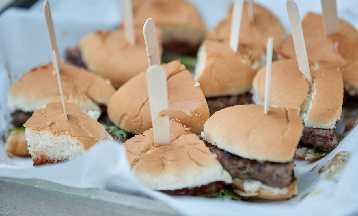 yourfood Catering Köln: Flying Buffet mit Fingerfood & Burger